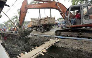 pembuatan saluran air drainase